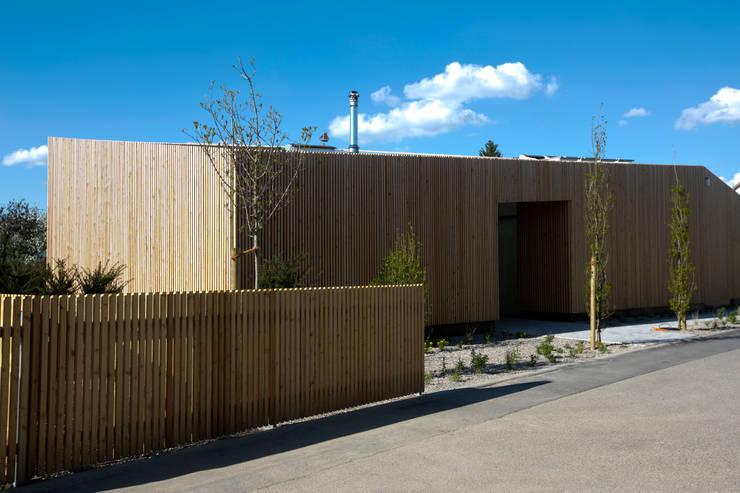 modern Houses by vollmilch. Das Architekturbüro.