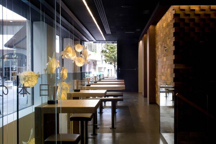 Taberna Wabi Sabi: Locales gastronómicos de estilo  de Sandra Tarruella Interioristas