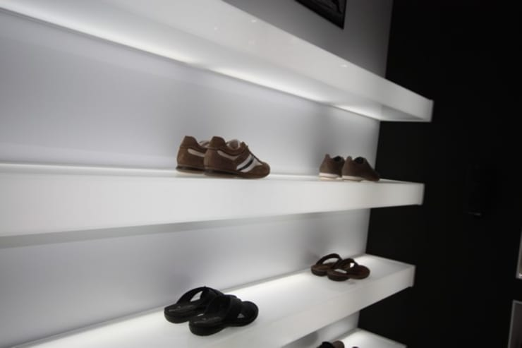 Winkelruimten door Estudio Sergio Castro arquitectura