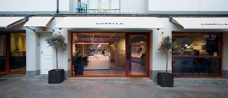 Carnicería Corella : Locales gastronómicos de estilo  de Sandra Tarruella Interioristas
