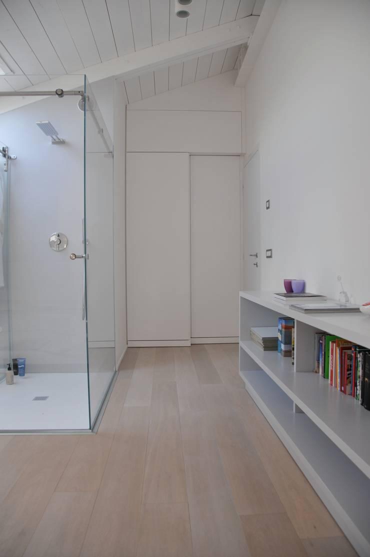 Interior design white loft treviso italy di imago for Corso interior design treviso