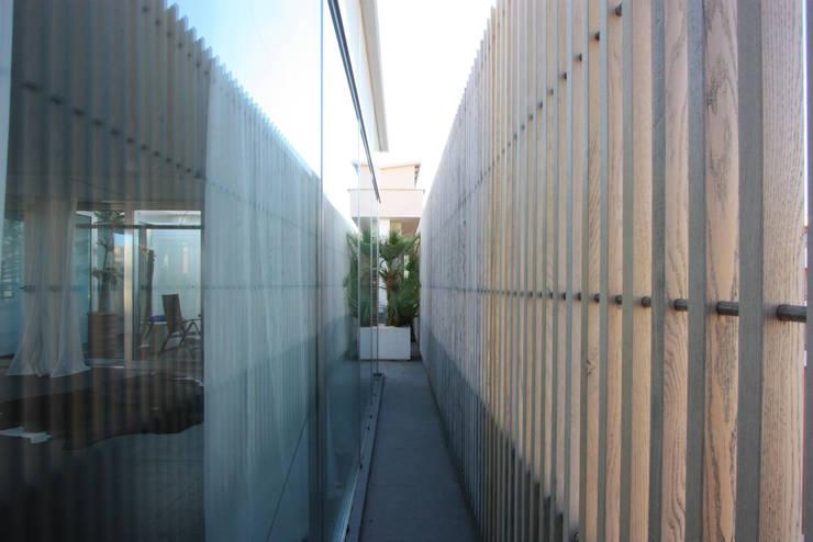 Terrazas de estilo  por Piano B Architetti Associati