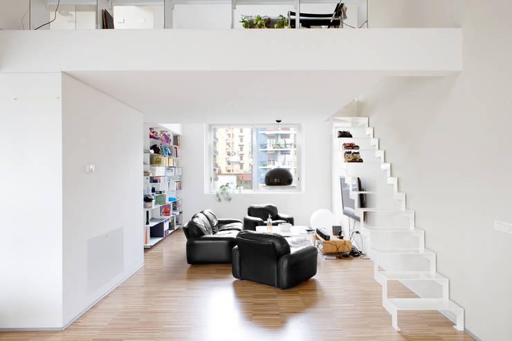 Corridor & hallway by roberto murgia architetto