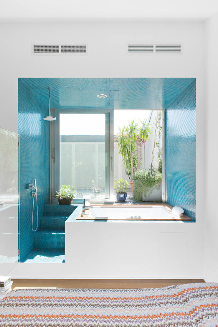 4 amici | 4 lofts: Bagno in stile  di roberto murgia architetto