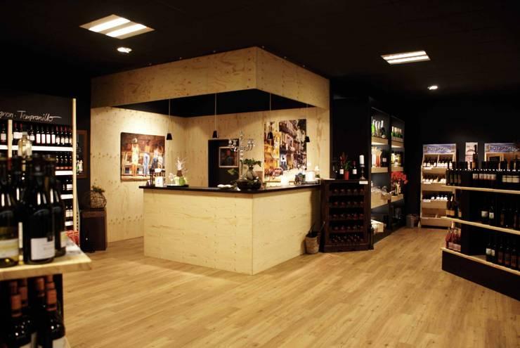 Espacios comerciales de estilo  por hysenbergh GmbH | Raumkonzepte Duesseldorf, Ecléctico