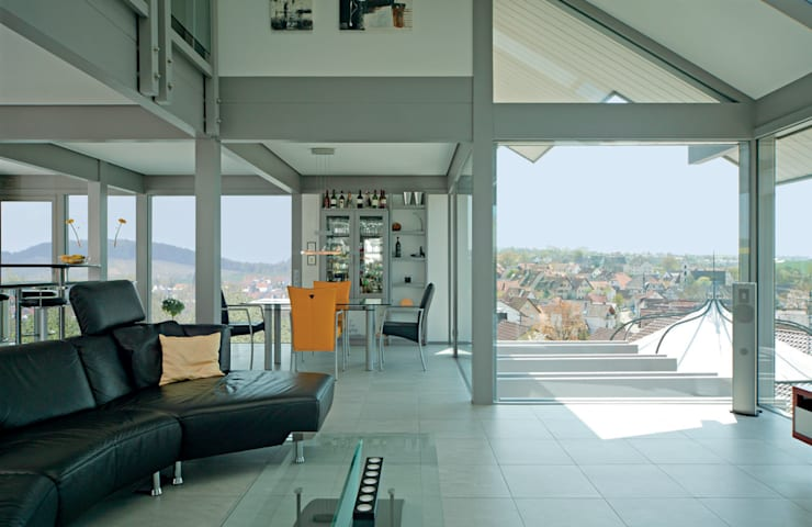 Living room by DAVINCI HAUS GmbH & Co. KG, Modern