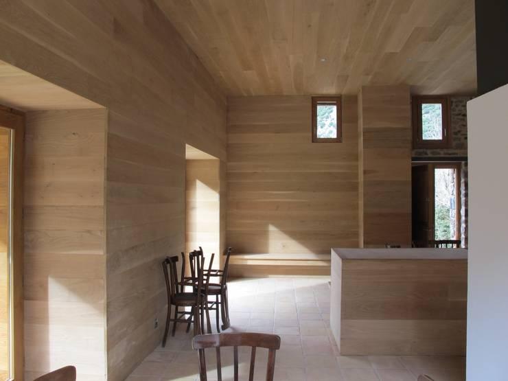Houses by Arcadi Pla i Masmiquel Arquitecte