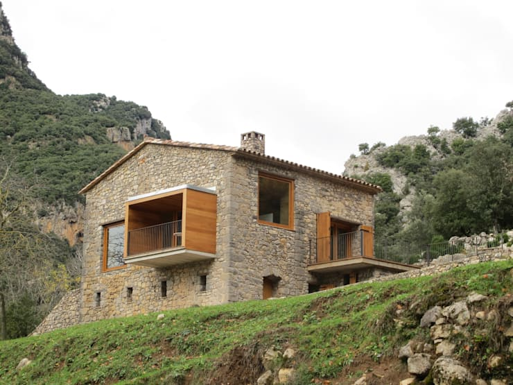 country Houses by Arcadi Pla i Masmiquel Arquitecte