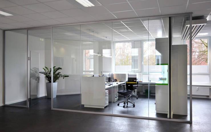 Empfang:  Bürogebäude von Scharrer Architektur GmbH,