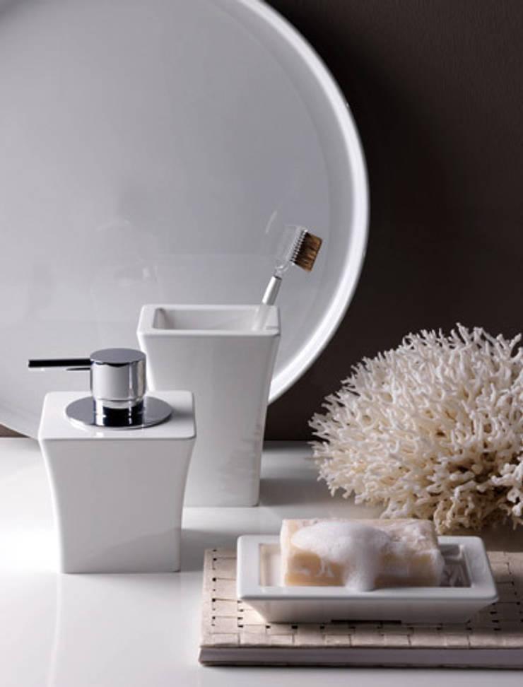 Baños de estilo  por Lucarelli Rapisarda Architettura & Design