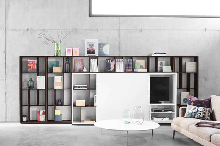 Projekty,  Salon zaprojektowane przez Zimmermanns Kreatives Wohnen