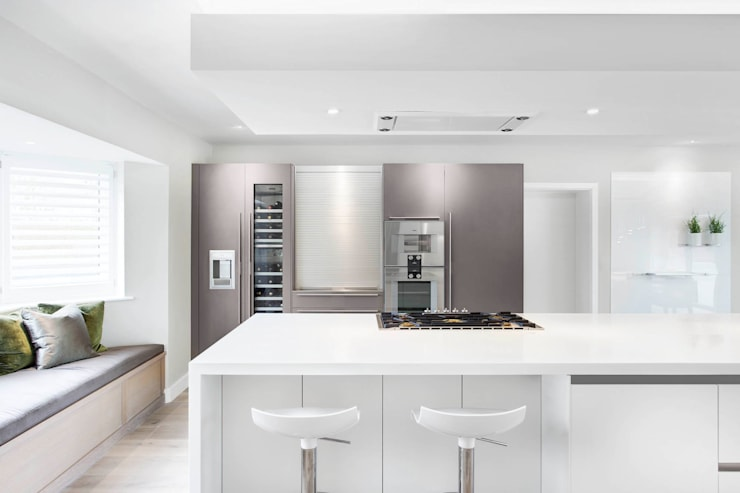 Contemporary Kitchen Space :  Kitchen by Studio Hooton