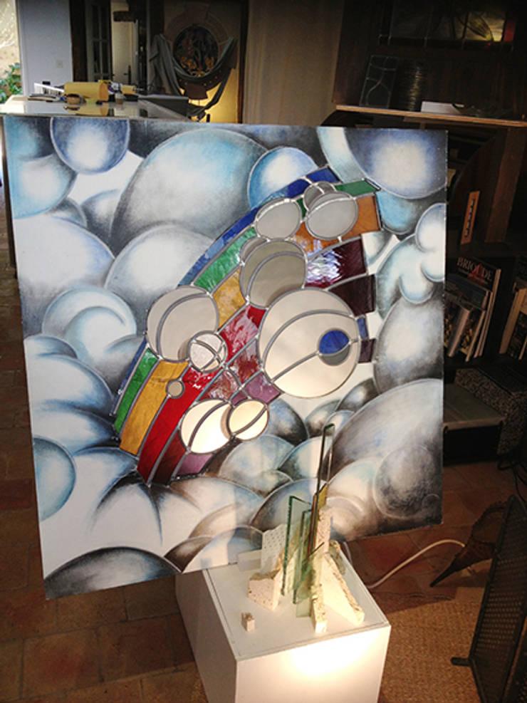 Présence:  de style  par atelier 1..2..3 vitrail