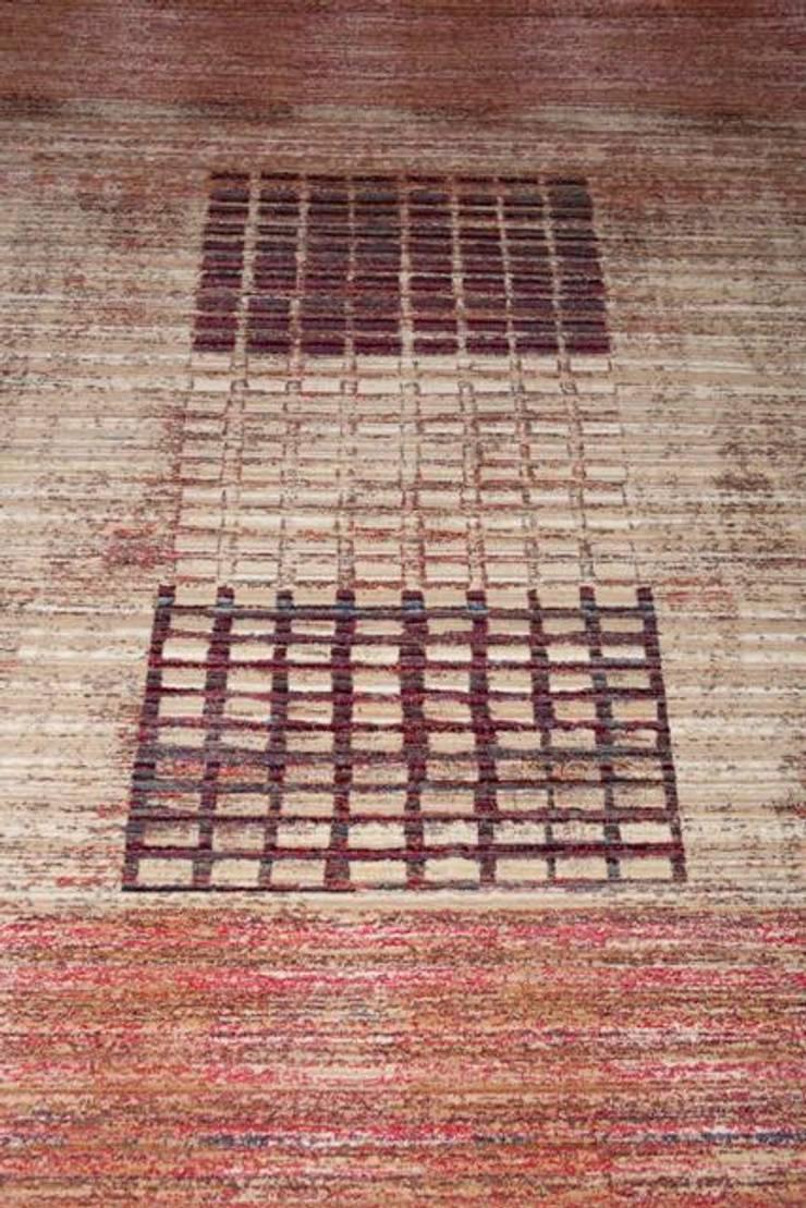 Alfombras Dekor: Paredes y suelos de estilo  de Carpetfil Alfombras, s.l.