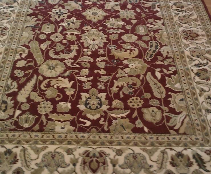 Bolonia: Paredes y suelos de estilo  de Carpetfil Alfombras, s.l.