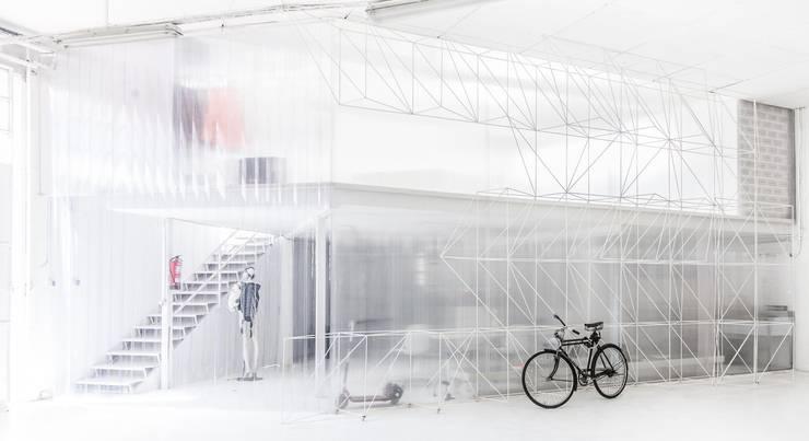 JOAN D´AUSTRIA: Estudios y despachos de estilo  de EXTERNAL REFERENCE ARCHITECTS