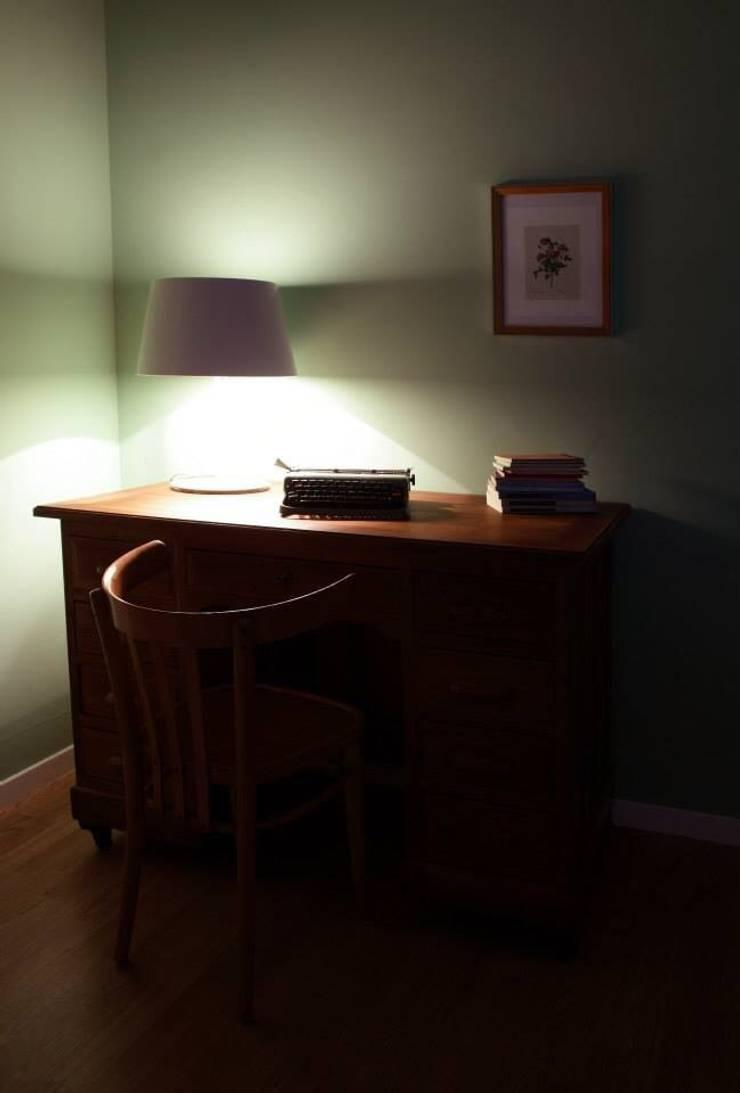 Home Restyling: Studio in stile  di Bologna Home Staging