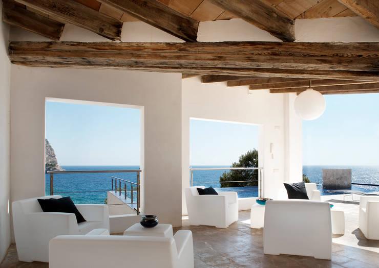 Casa en Andratx: Terrazas de estilo  de Octavio Mestre Arquitectos