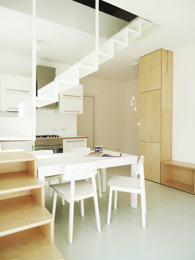 CSP: Sala da pranzo in stile  di ANK architects