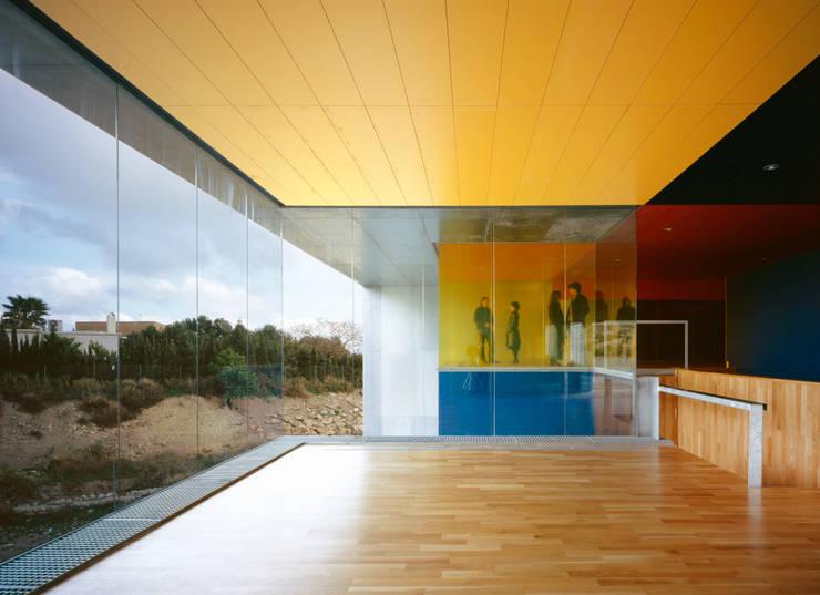 Escolas  por MGM Morales de Giles Arquitectos SLP