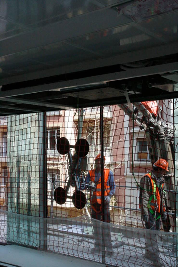 Oficinas Travessera de Gràcia:  de estilo  de Octavio Mestre Arquitectos