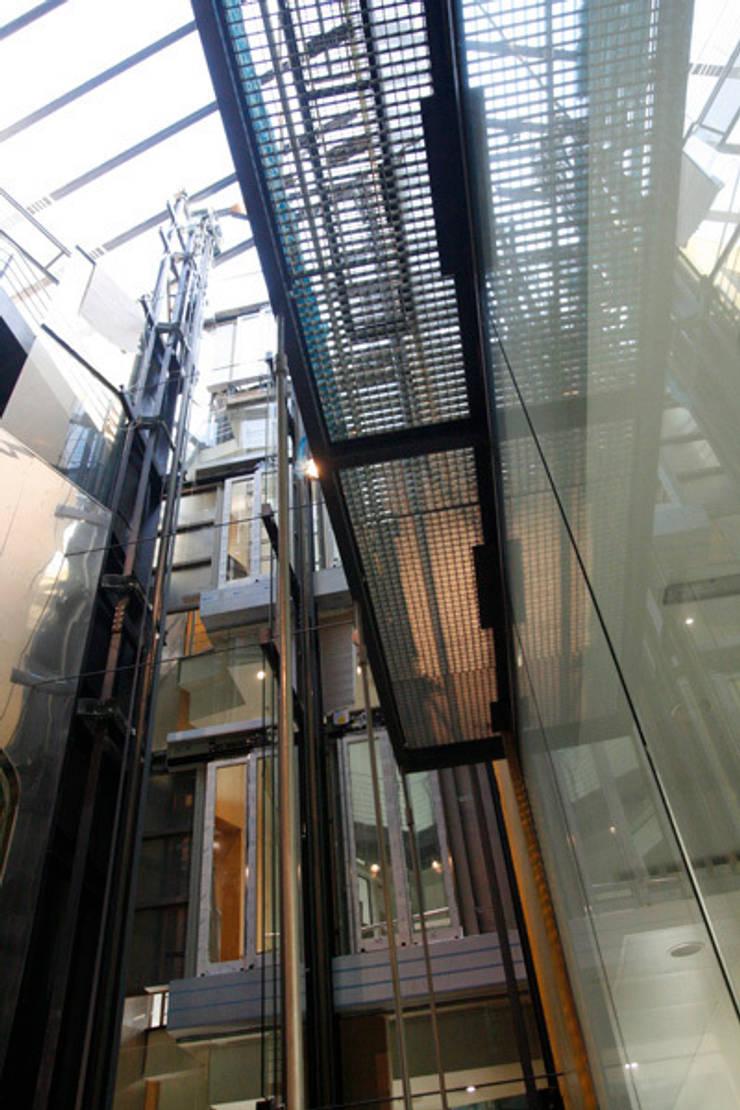 Corridor & hallway by Octavio Mestre Arquitectos