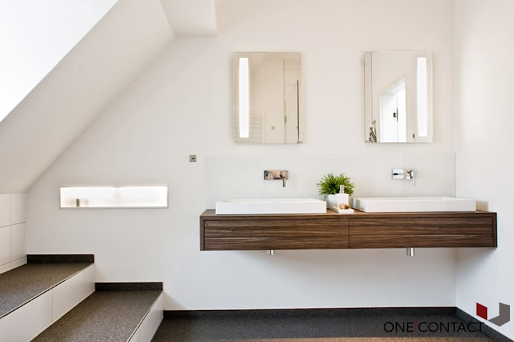 Bathroom by ONE!CONTACT - Planungsbüro GmbH