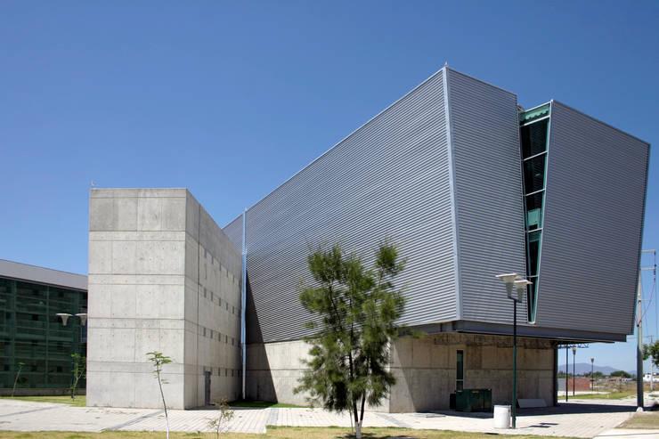 Volumen Mediateca: Escuelas de estilo  por LEAP Laboratorio en Arquitectura Progresiva