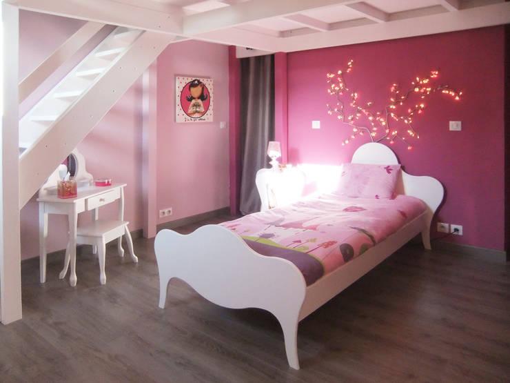 Chambre d'enfant: Chambre d'enfant de style  par HOME feeling