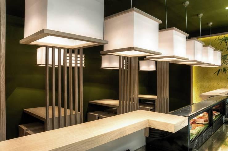 JAPIT - Sushi Bar: Negozi & Locali Commerciali in stile  di Ernesto Fusco