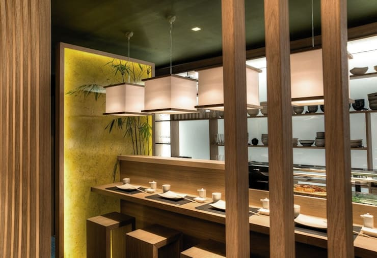 JAPIT – Sushi Bar: Negozi & Locali Commerciali in stile  di Ernesto Fusco
