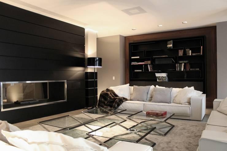 Salas de estilo  por Ernesto Fusco