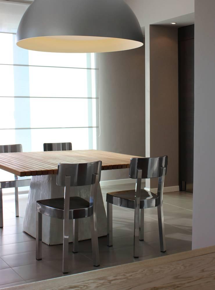 MGD Home: Cucina in stile  di Ernesto Fusco