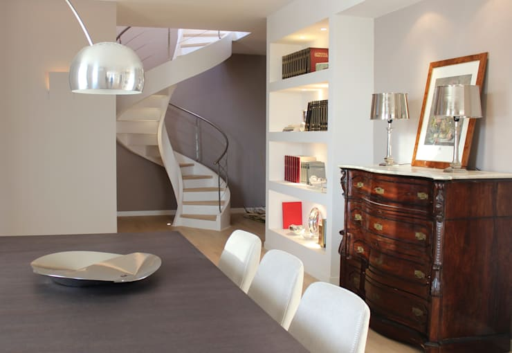MGD Home: Sala da pranzo in stile  di Ernesto Fusco