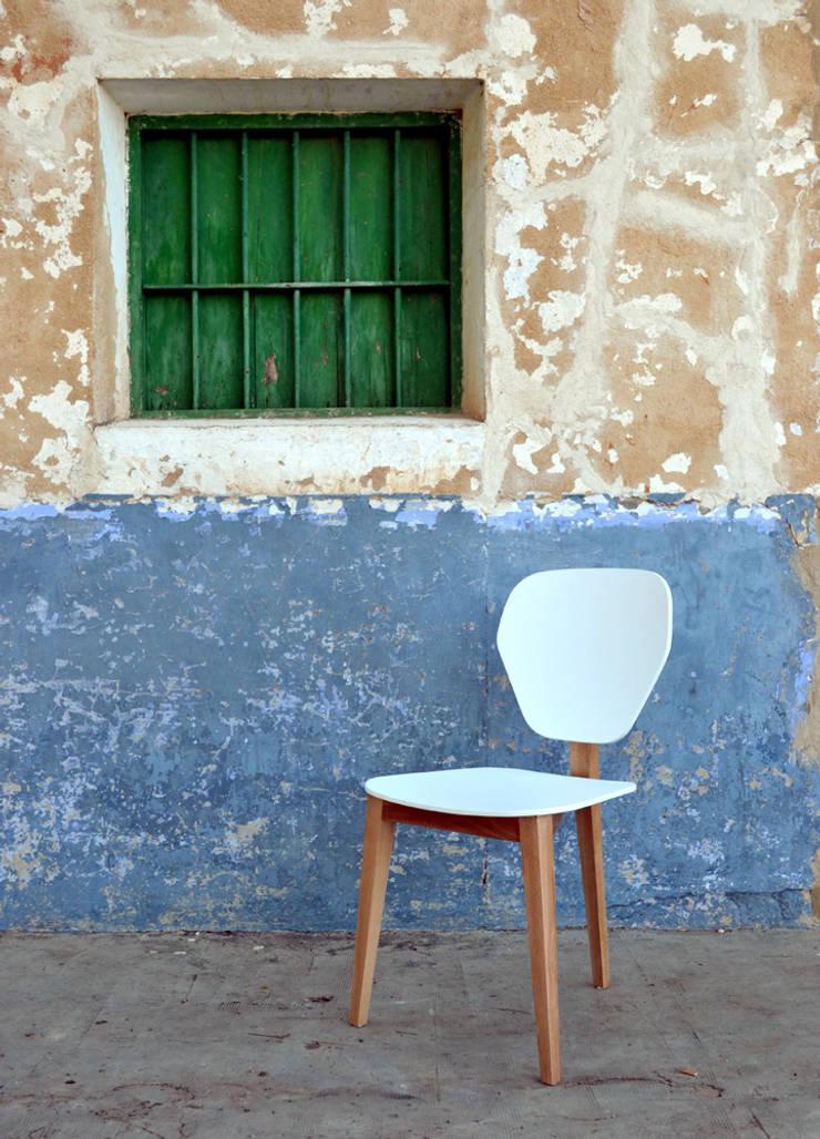 Branca / LATIZO: Salones de estilo  de Javier Herrero* Studio