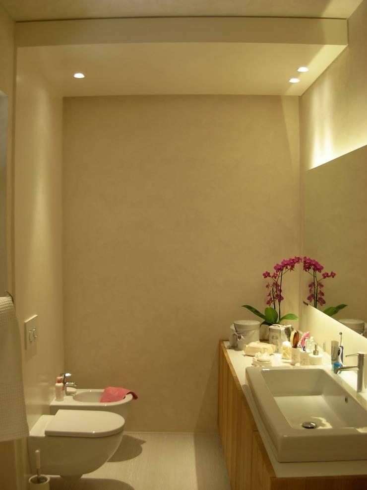 Stanze da bagno: Bagno in stile  di Progetti d'Interni e Design