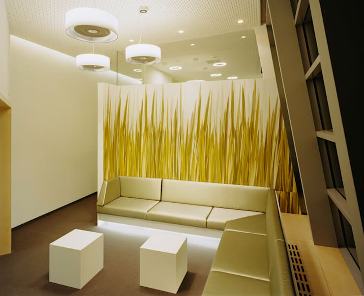 Office buildings by Tischlerei & Objektdesign Friedrich Gilhaus GmbH