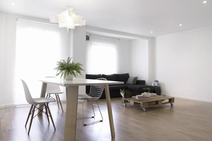 غرفة المعيشة تنفيذ Enblanc