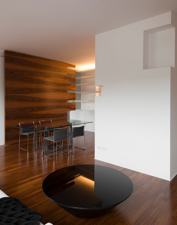CASA GUGLIELMA: Sala da pranzo in stile in stile Minimalista di DELISABATINI architetti
