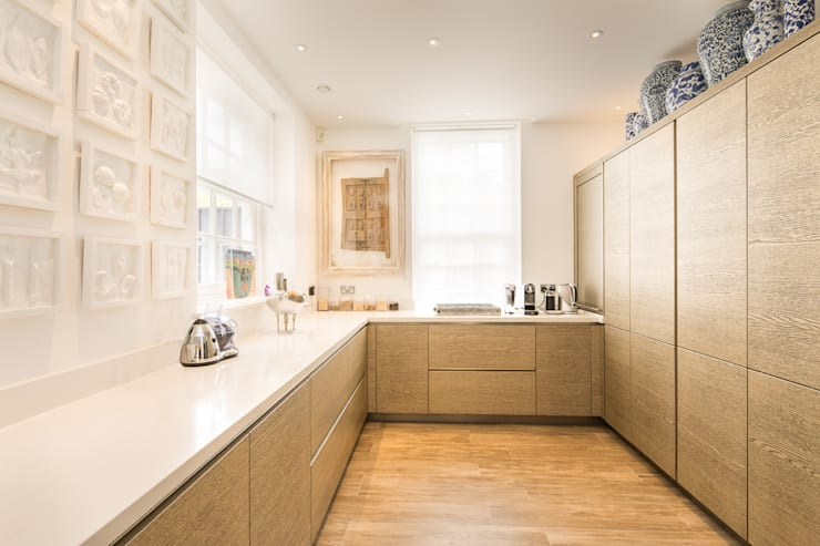 Templewood Avenue, NW3:  Kitchen by XUL Architecture
