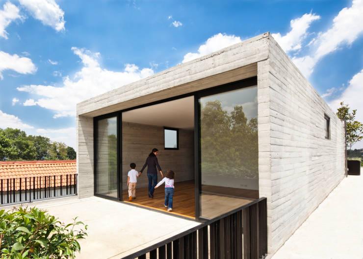 Casa Maruma: Casas de estilo  de © Sandra Pereznieto