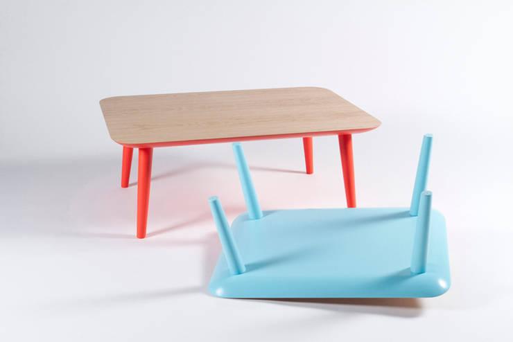 Salas de estilo  por Muka Design Lab