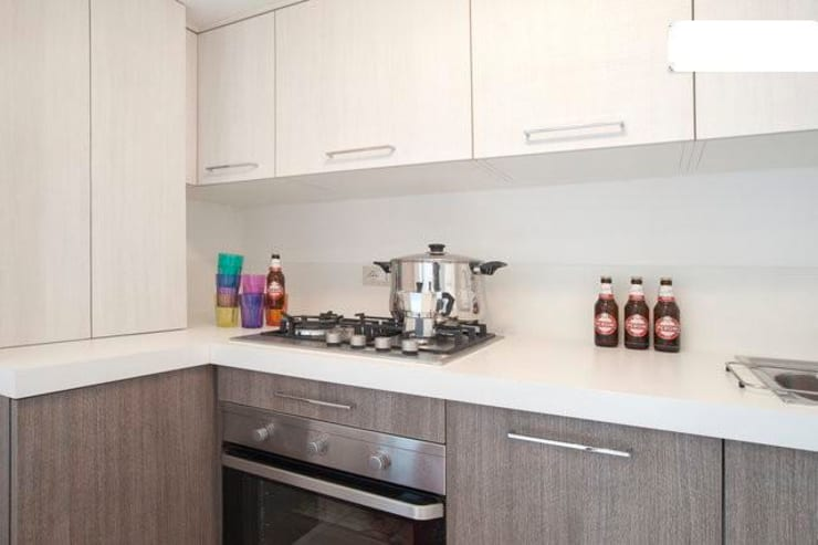 cucina: Cucina in stile in stile Eclettico di meb progetto ambiente
