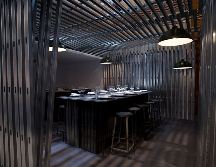 Dining room by Q:NØ Arquitectos , Industrial