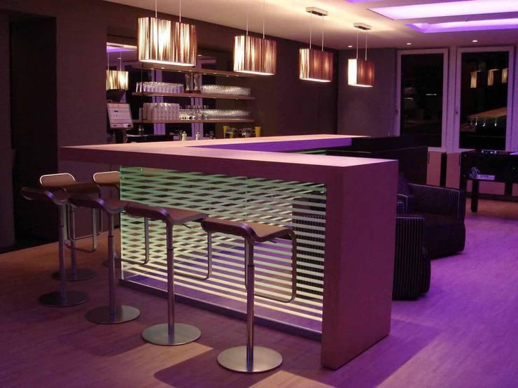 Office Lounge:  Geschäftsräume & Stores von list lichtdesign - Lichtforum e.V.,
