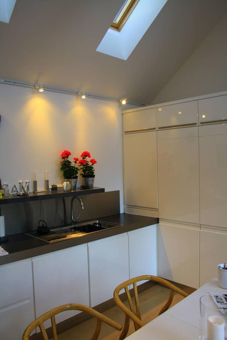 Westbourne Cottage, Kilrenny:  Kitchen by Fife Architects