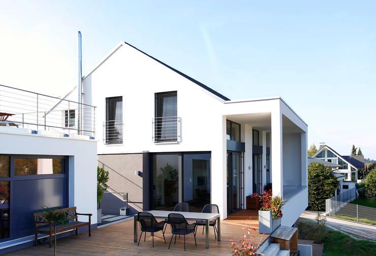 Giebelseite:  Häuser von BITSCH + BIENSTEIN Architekten PartGmbB