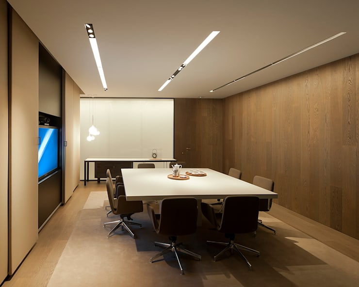 Offices & stores by ISABEL LOPEZ VILALTA + ASOCIADOS,