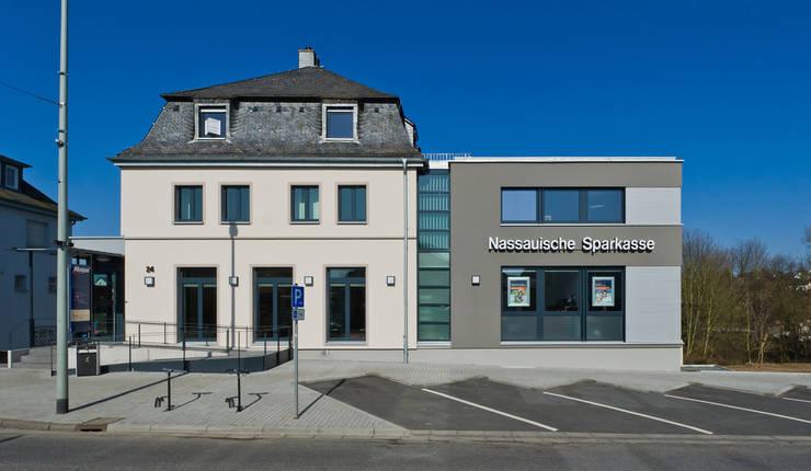 Straßenansicht:  Bürogebäude von BITSCH + BIENSTEIN Architekten PartGmbB,Modern