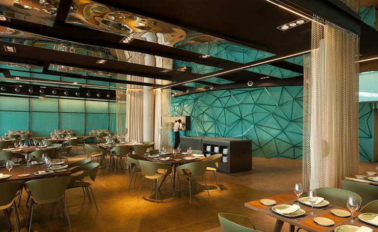 Salt, Event's Restaurant: Oficinas y Tiendas de estilo  de ISABEL LOPEZ VILALTA + ASOCIADOS
